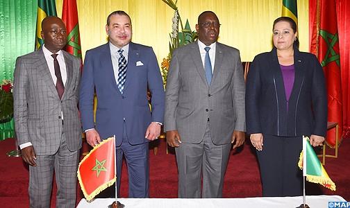 SM-le-Roi-et-le-Pdt-senegalais-president-la-ceremonie-economique-maroco-senegalais-M-504x300